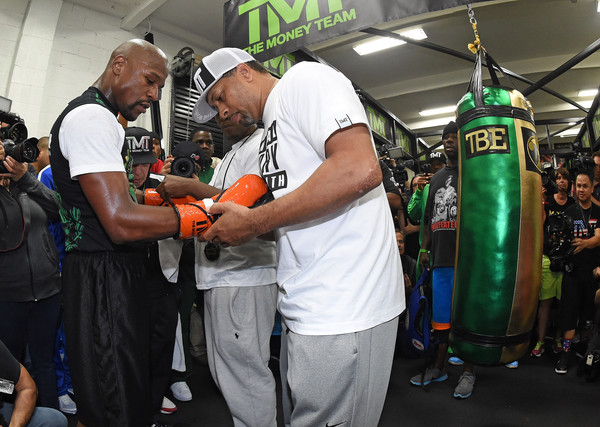 Bob+Ware+Floyd+Mayweather+Jr+Media+Workout+ghaz7nktCc6l